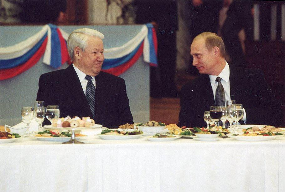 Vladimir Putin con Boris Yeltsin