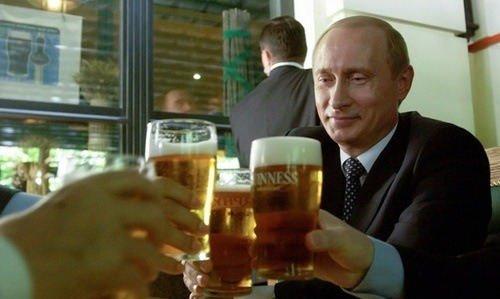 Putin bebiendo cerveza