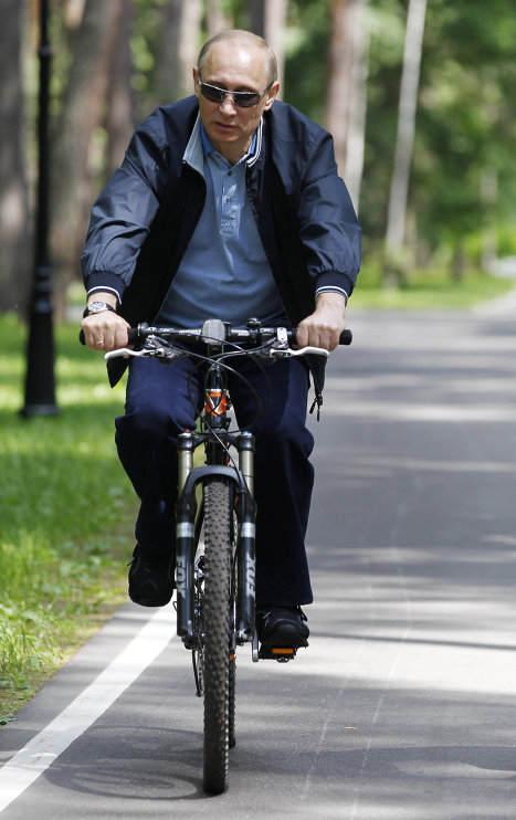 Putin en bicicleta