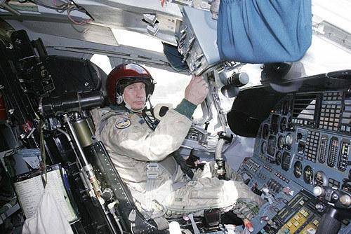 Putin pilotando bombardero