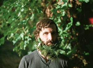 Barbas con flores hipsters