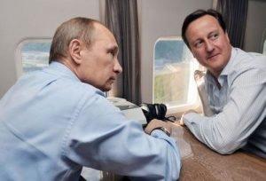 Putin hablando con David Cameron