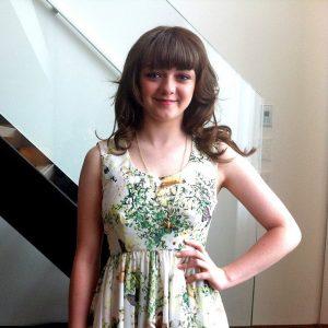 Maisie Williams joven