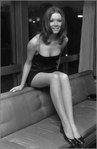 Diana Rigg joven